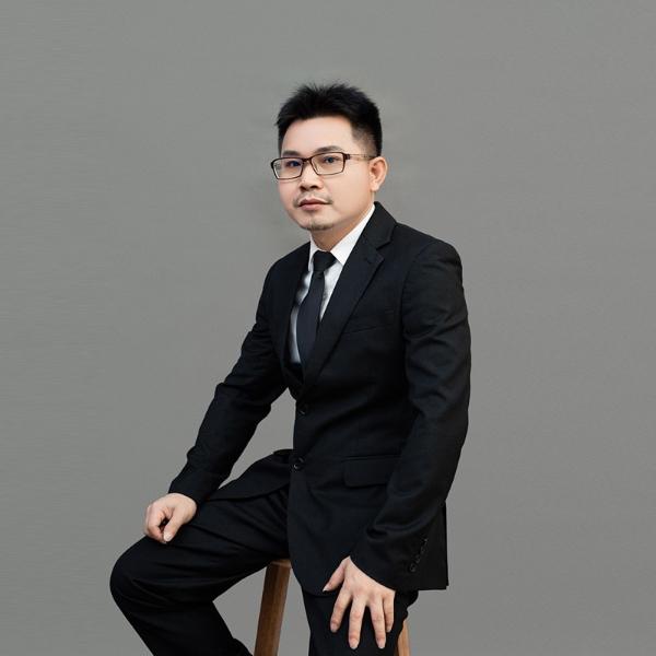 景智行设计总监王何戚